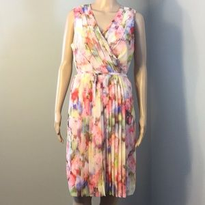 LIZ CLAIBORNE : SLEEVELESS FLORAL DRESS:  Size 8